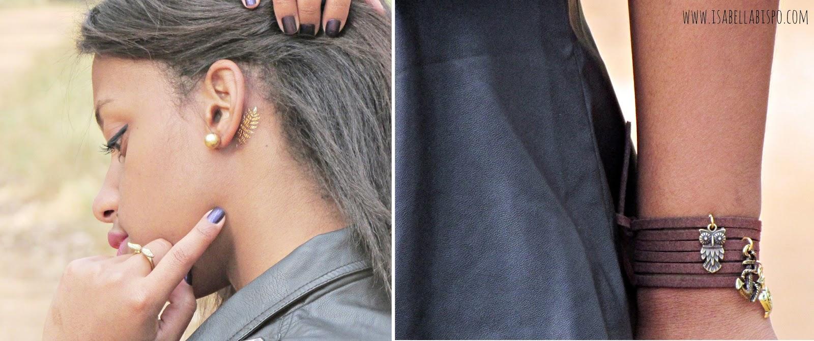 Detalhes do look - flash tatto e pulseira de courino marrom.