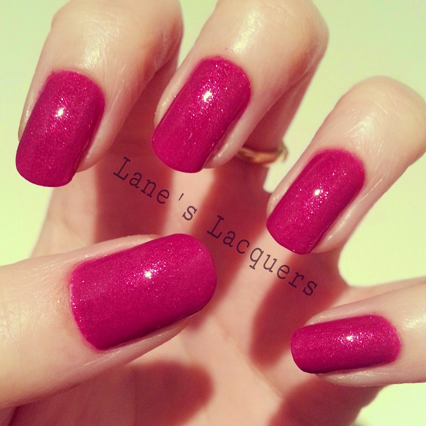 new-models-own-luxe-collection-oval-plum-swatch-manicure