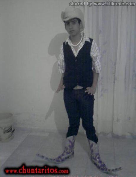 http://2.bp.blogspot.com/-5Gwc4yPlulM/TXXJMuFU0UI/AAAAAAAAQXo/_5AW1jBUGJk/s1600/these_boots_04.jpg