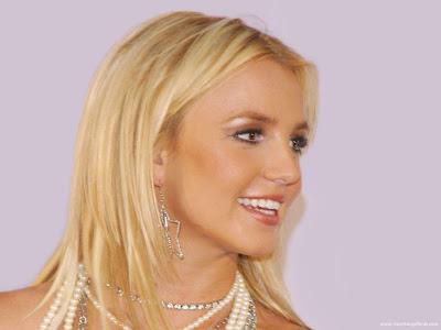 Britney Spears Wallpaper-1920x1440-01