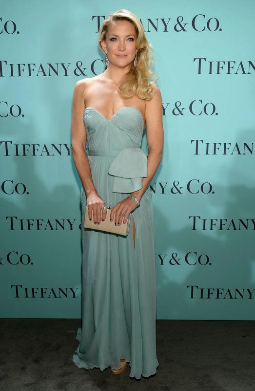 Kate Hudson: Wearing an ethereal Reem Acra dress and diamond Tiffany earrings