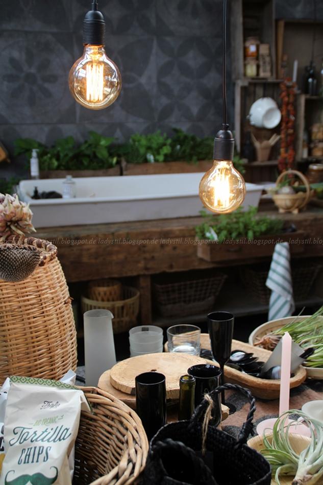 Küche in Holz grau Scharz und Weiß auf der Messe in Amsterdam vt wonen en design beurs 2015