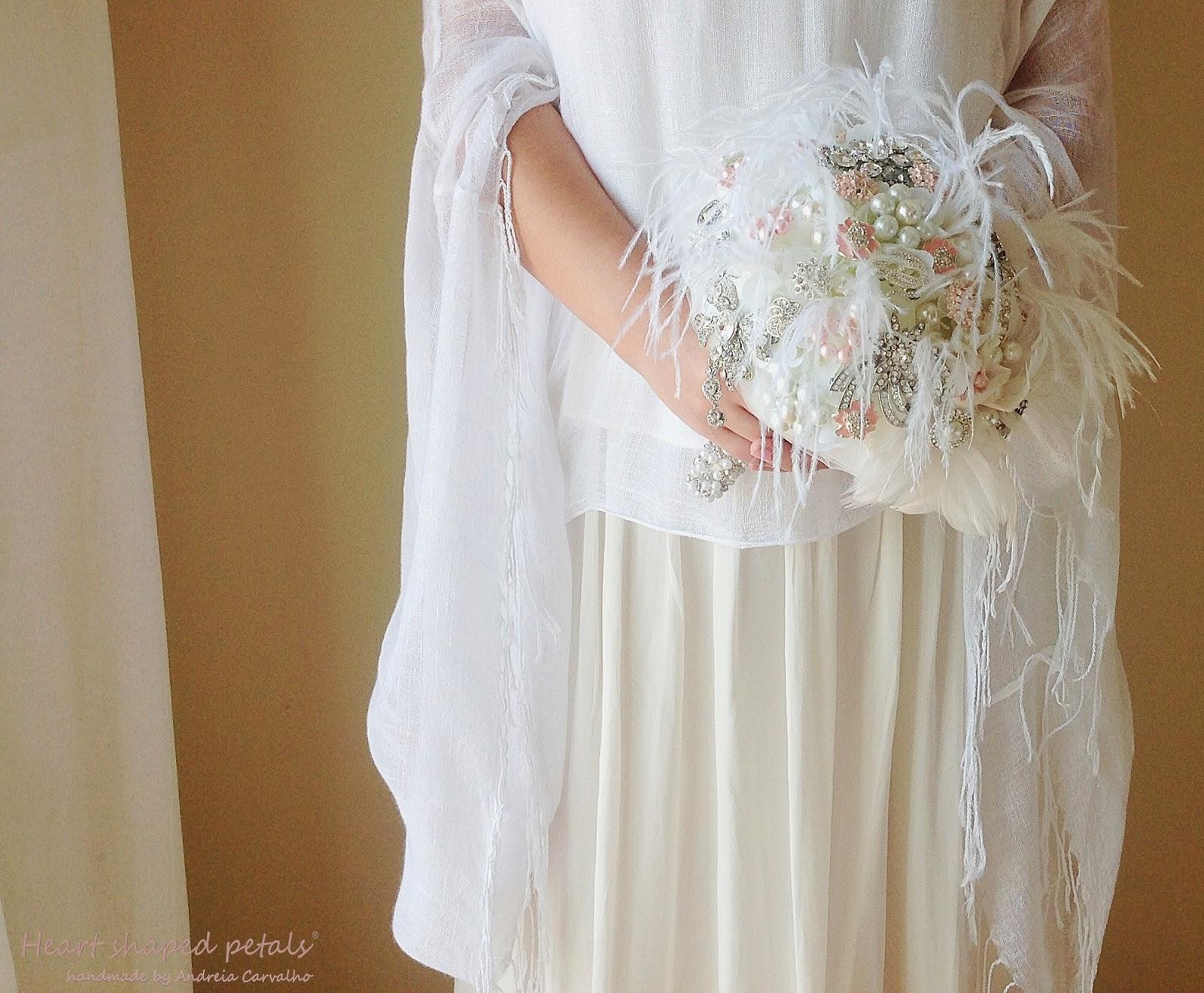 Heart Shaped Petals brooch bouquet