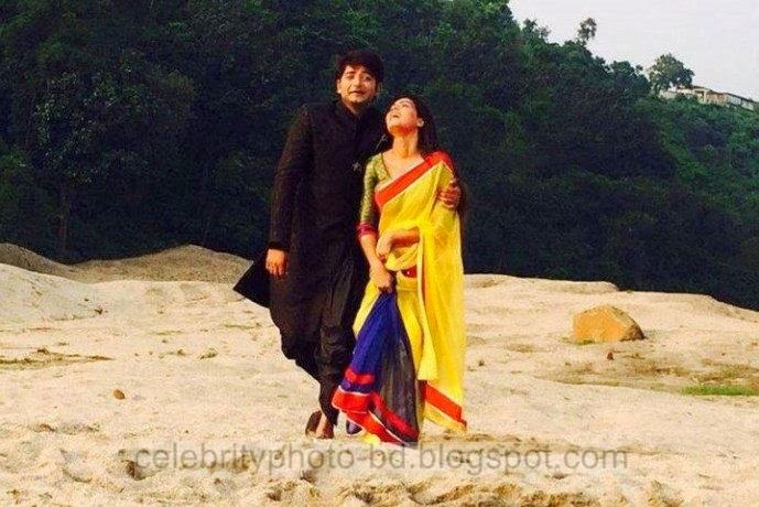 Mahiya+Mahi+and+Bappy+Chowdhury's+Some+Romantice+Hot+Photos+Latest+Collection+From+Bangla+Movie+Honeymoon+(2014)009