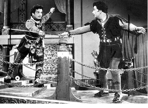 MGR & Namiyar in Sword Fight Sequence