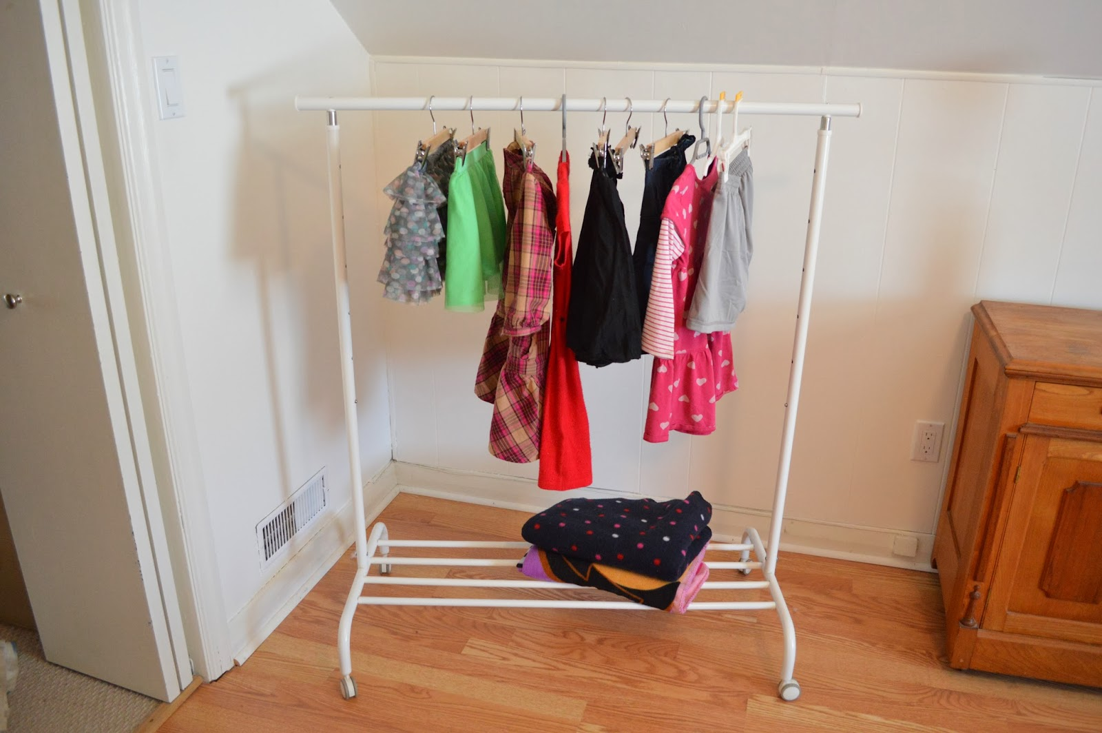 This kind handyman and i ikea for her part 1 kid 39 s for Ikea clothes rack