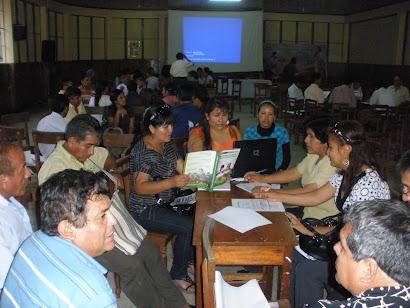 Docentes del Área de Comunicación la IE Francisco Irazola