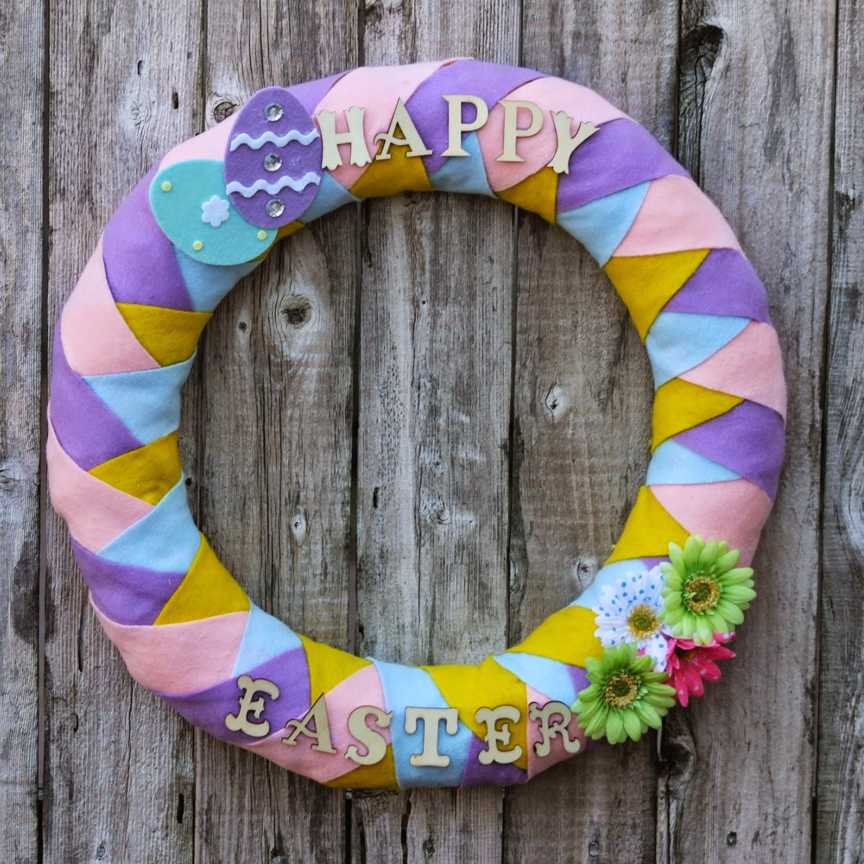 diy-felt-easter-wreath