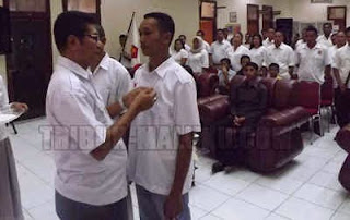 Dalam rangka konsolidasi partai sekaligus menambah kekuatan partai sampai ke tingkat akar rumput, lima Pengurus Anak Cabang (PAC) Gerindra Kota Ambon dilantik oleh Ketua DPC Partai Gerindra di Gedung PKK Provinsi Maluku, Sabtu (9/5).