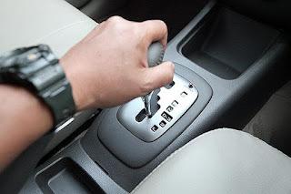 Tips Mengemudi Mobil Matic bagi Pemula