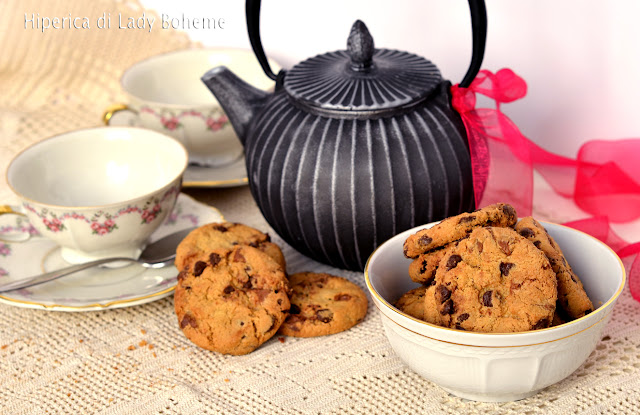 hiperica_lady_boheme_blog_di_cucina_ricette_gustose_facili_veloci_dolci_biscotti_cookies_al_cioccolato_2