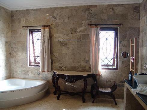 Balam Bali Villa Bathroom