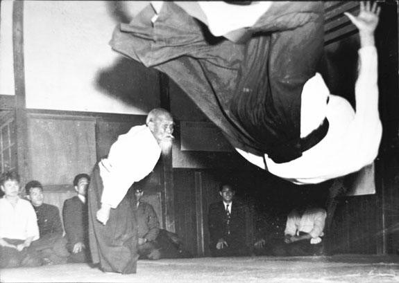 Morihei Ueshiba proietta Tada, Aikido Torino
