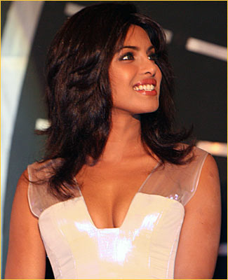 Priyanka Chopra Hot Unseen Pics Photos Wallpapers amp Images navel show