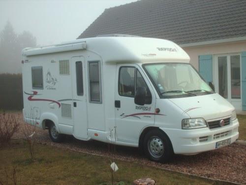 v hicule r cr atif motoris caravaning vendre camping car rapido 746 c. Black Bedroom Furniture Sets. Home Design Ideas