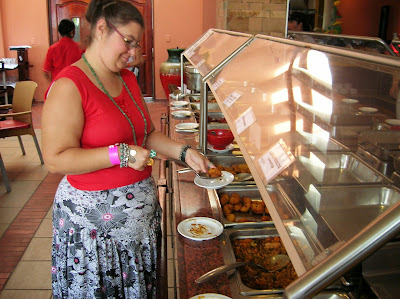 Restaurante bufet,  comer barato en viajes, round the world, mundoporlibre.com
