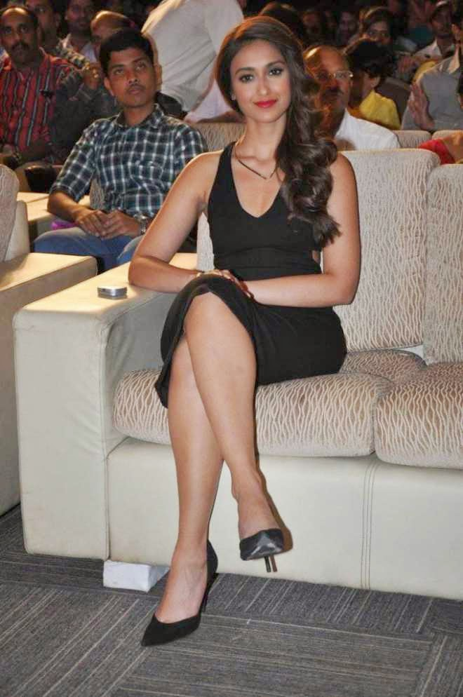 ileana latest hot spicy legs pics