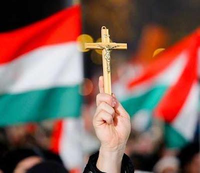 Húngaros querem que os valores cristãos  e ao amor sincero à Pátria voltem às escolas
