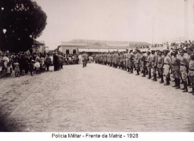 POLICIA MILITAR DIANTE DA MATRIZ EM 1928