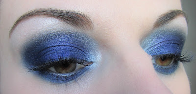http://chroniquedunemakeupaddict.blogspot.com/2012/03/make-up-bad-girl.html