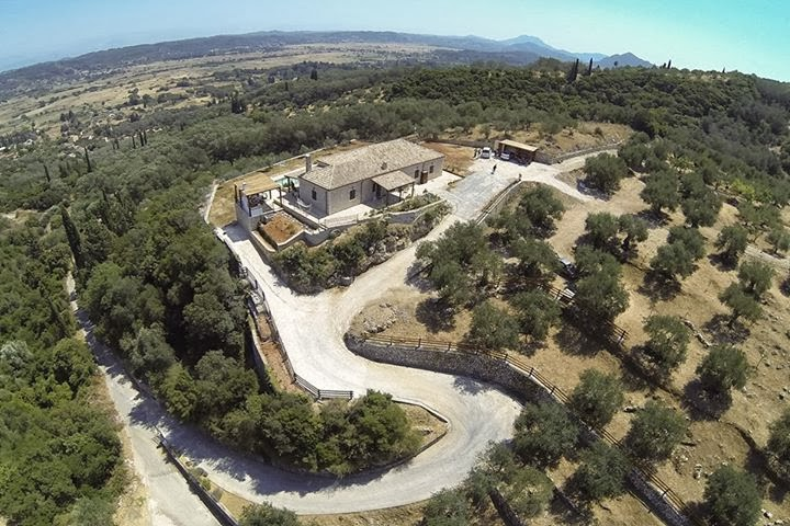 Μαθήματα φυσικών καλλυντικών στους θαμώνες της villa fioreta