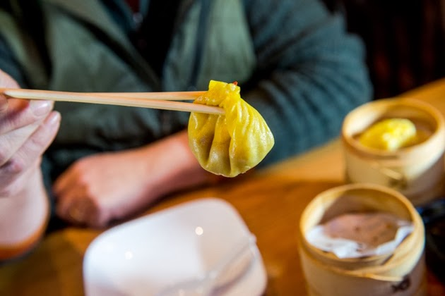 how to eat soup dumplings