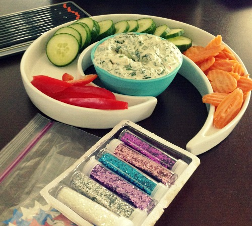 Healthy Spinach Dip and Veggies
