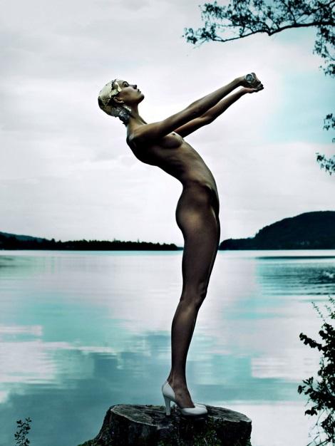 Karlie Kloss in detox by Mario Testino