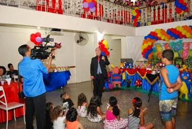 Santa Cruz Shopping realiza oficina de mágica e arte para as crianças