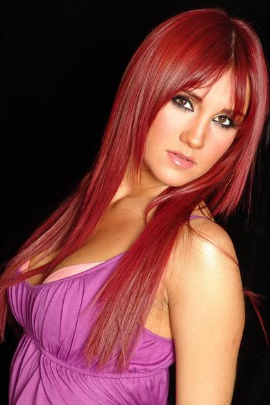 peinados a la moda pelo rojo sensual verano 2013