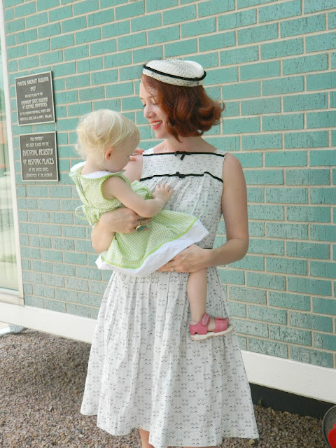 1950s vintage mama style Just Peachy, Darling