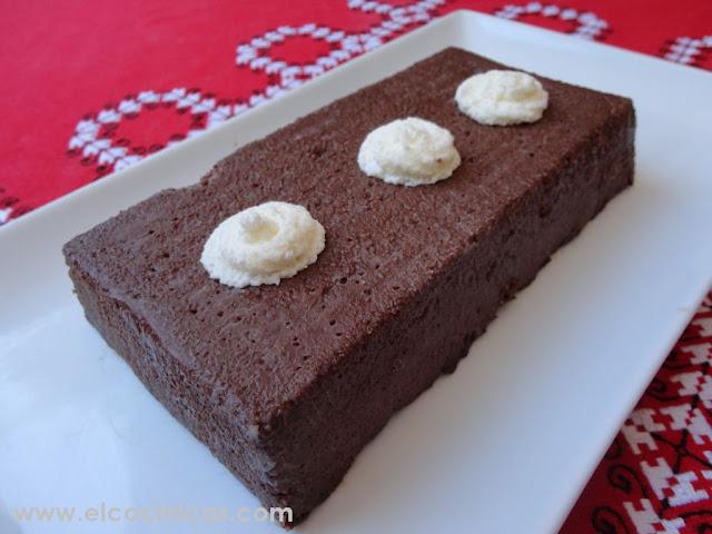Pastel de chocolate y sémola de trigo sin horno
