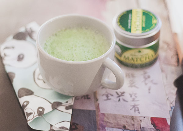 Almond white chocolate matcha tea