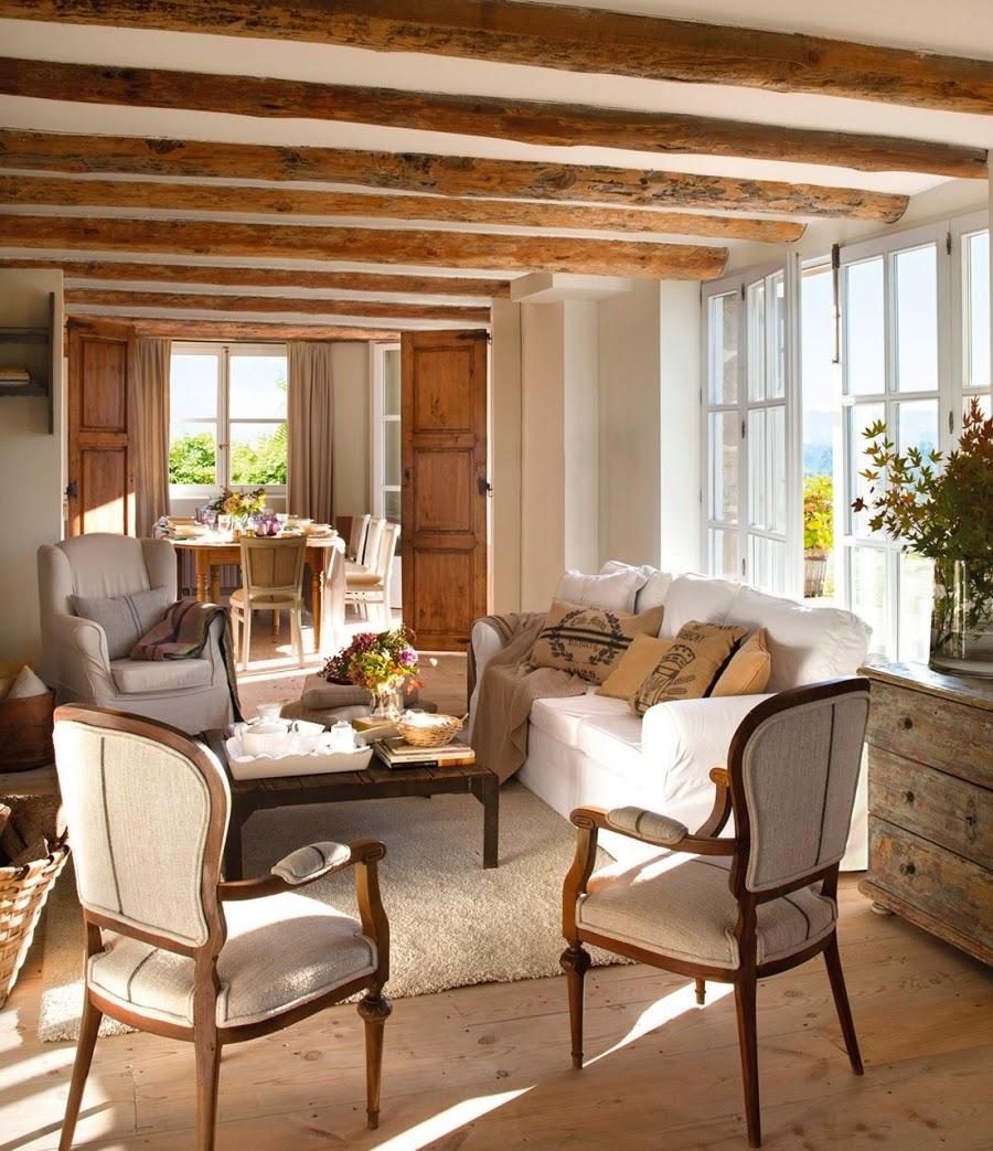 wystrój wnętrz, home decor, wnętrza, aranżacje, dekoracje, meble, dom, mieszkanie, styl rustykalny, styl francuski, szarości, stonowane kolory, salon, pokój dzienny, belki, jadalnia