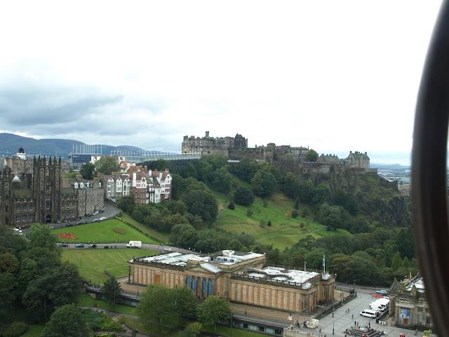 Edinburgh, Scotland, UK, Arthur's Seat, Harry potter, Hogwarts, Holyrood Palace, Princes Street , gardens, Royal Mile, Camera Obscura, Scott Memorial, Edinburgh Castle, One O'clock gun, Train, fly, transport, how to get there, guide to edinburgh, what to do in Edinburgh, from London,