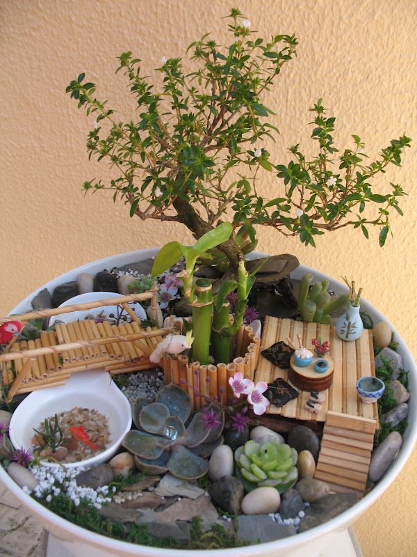 Jardim Japonês feito em vaso de porcelana com 95cm de diâmetro, com