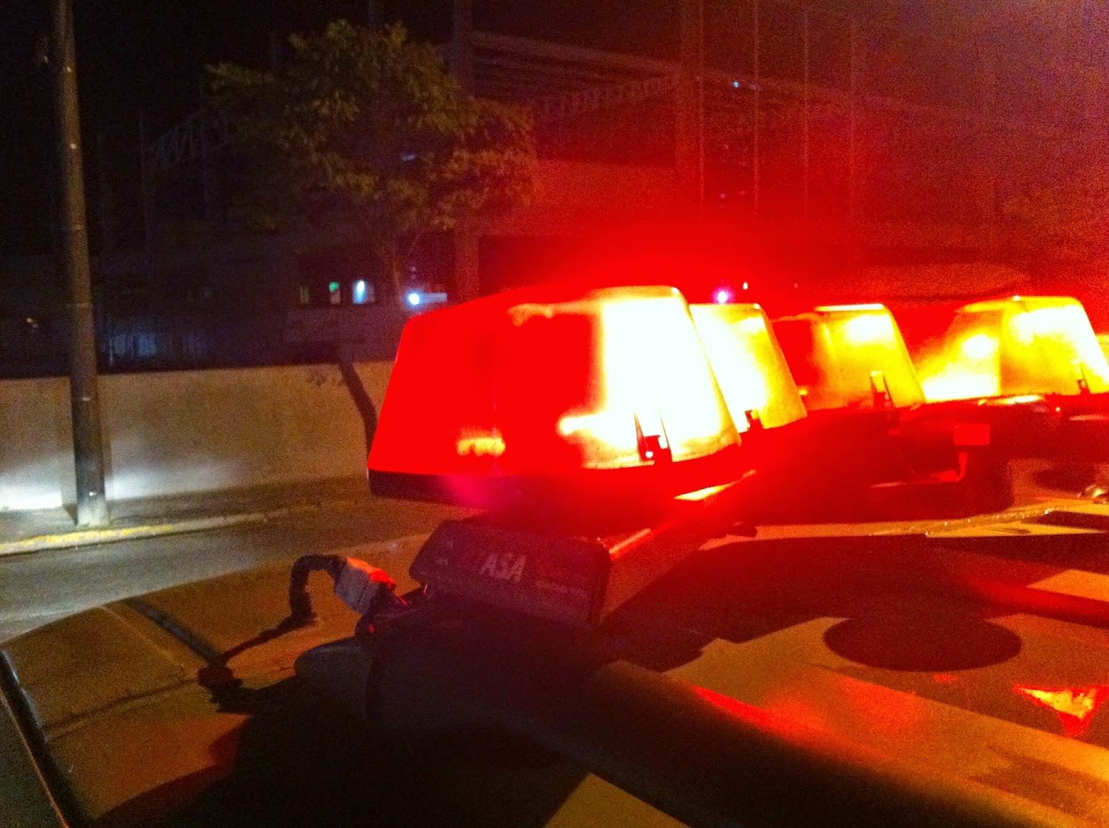 Bandidos arrombam viatura da Polícia Civil e roubam metralhadora