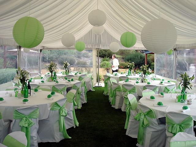 decoration salle mariage vert et blanc