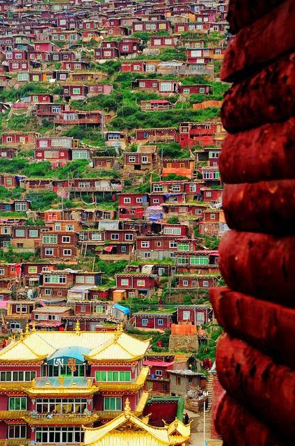 http://en.wikipedia.org/wiki/Serthar_Buddhist_Institute#Buddhist_Institute