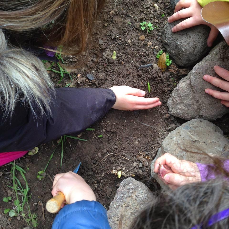 en nuestro grupo de juego seguimos fielmente las de la pedagoga waldorf para el jardn de infancia con nios de a aos