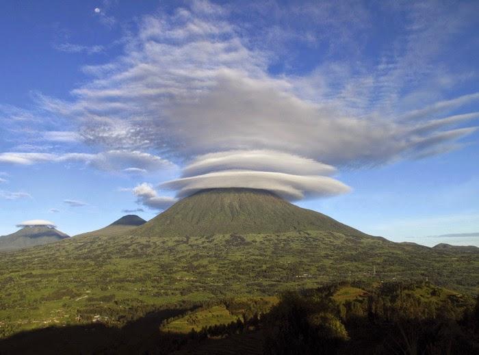 Indahnya Pegunungan Virunga di Afrika
