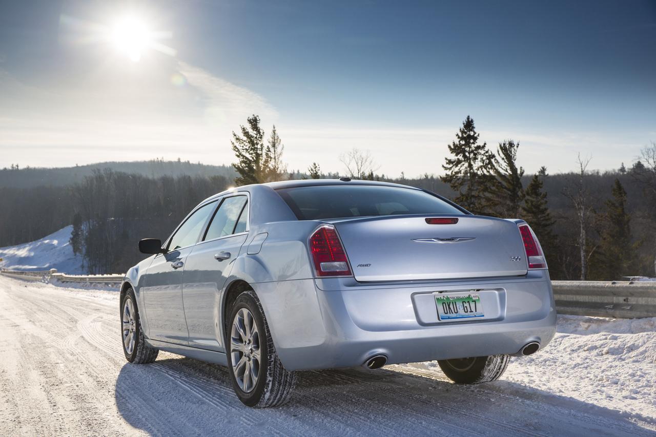 2013 Chrysler 300 Glacier Edition