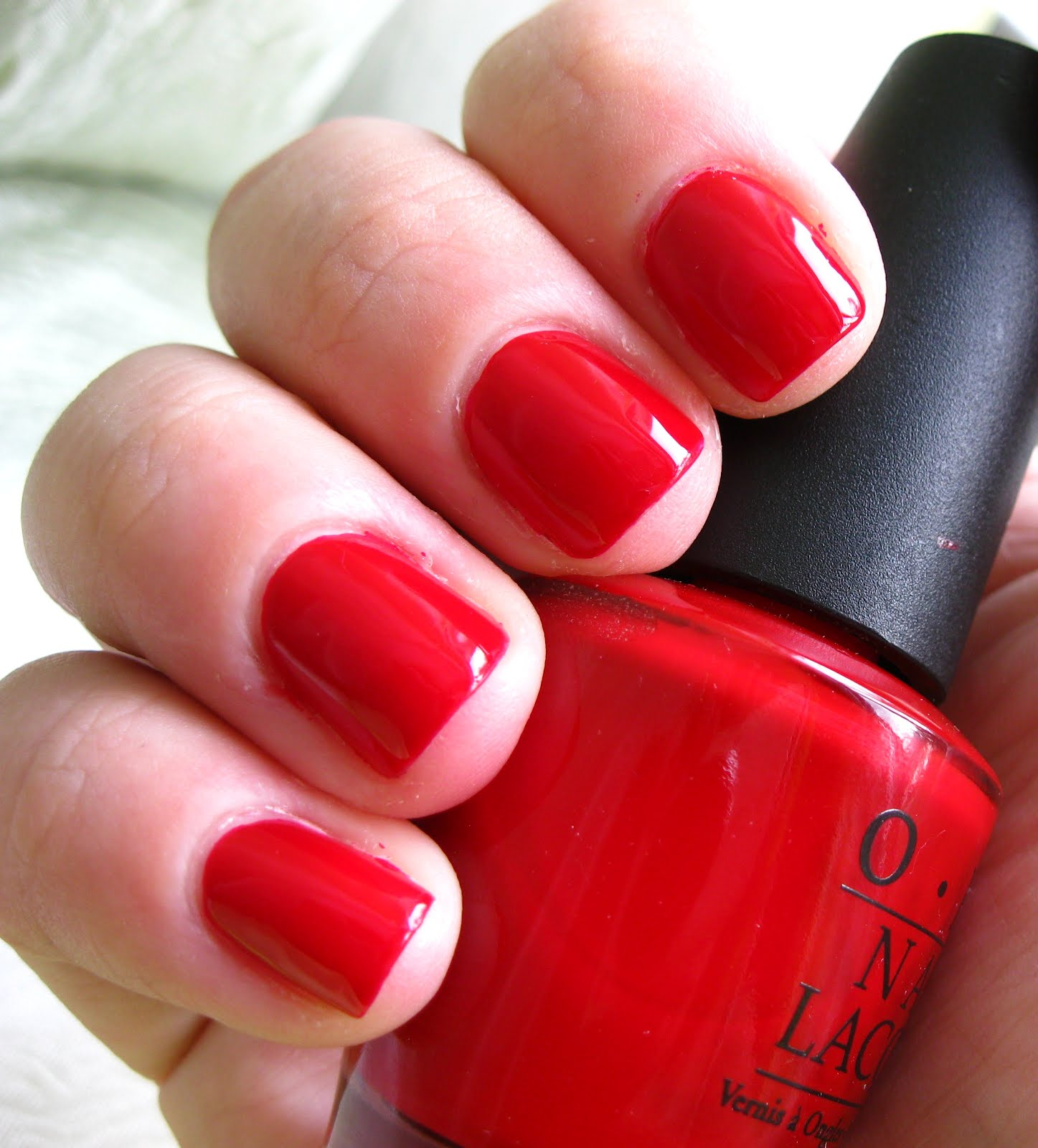 While there are number of colors to chose from as far as nail paints are concerned, ask any woman what is the best color for her nails or the one that she longs to have the most and she will tell you it is red.