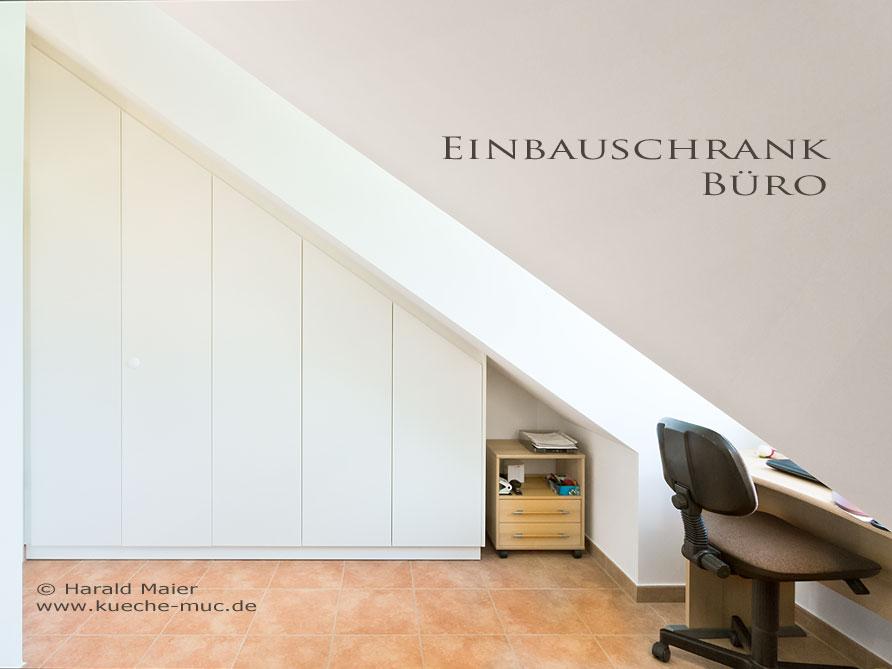 Einbauschrank für home office, kleines home office im Dachgeschoss mit Einbauschrank in der Dachschräge