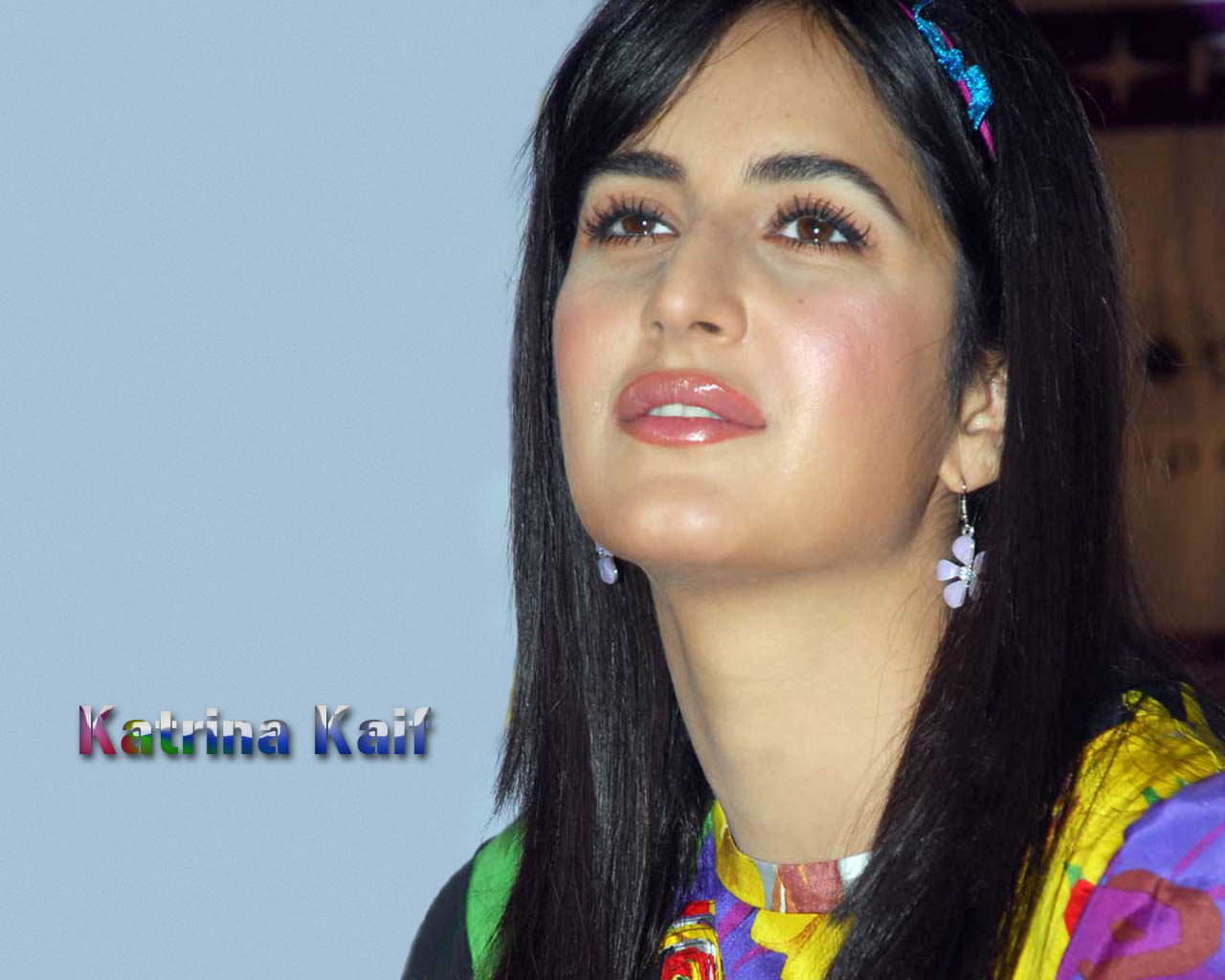 Katrina kaif Wallpaper 12 With 1280 x 1024 Resolution ( 140kB )