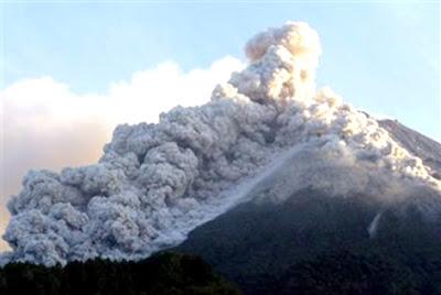 Gambar Gunung Merapi Meletus