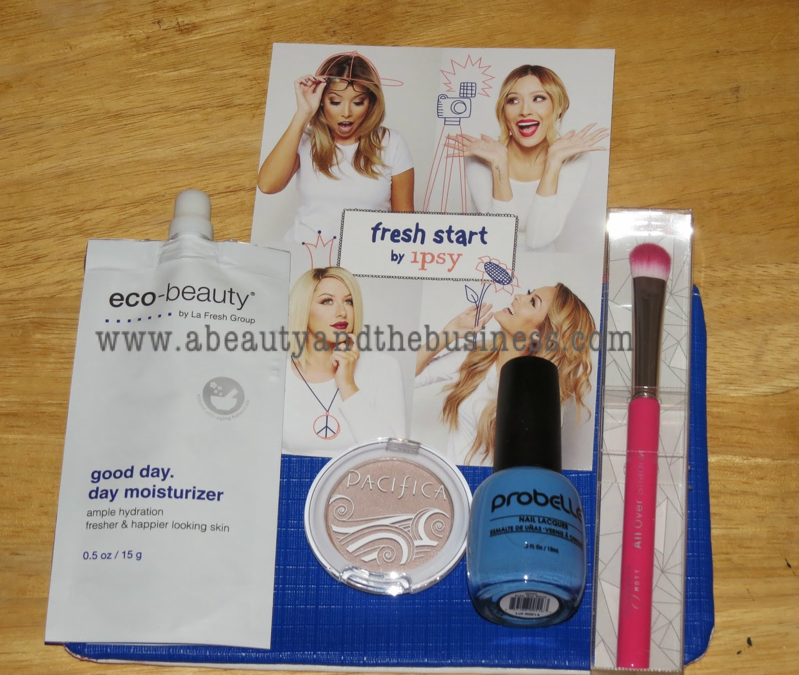 ipsy bag, ipsy January, ipsy 2015 , ipsy January 2015, elziabeth mott brush, sephora haul, haul video, new beauty blogger, new vlogger, unboxing day, first look ipsy, makeup forever hd foundation, fitbit,