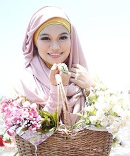 10 Ciri Wanita Cantik Menurut Pandangan Islam