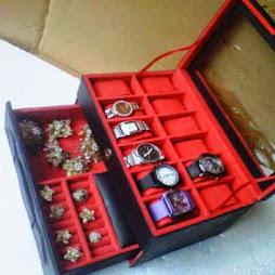 Box Jam isi 12 Jam dan Tempat Asesoris Cincin - Only Rp. 350.000,-