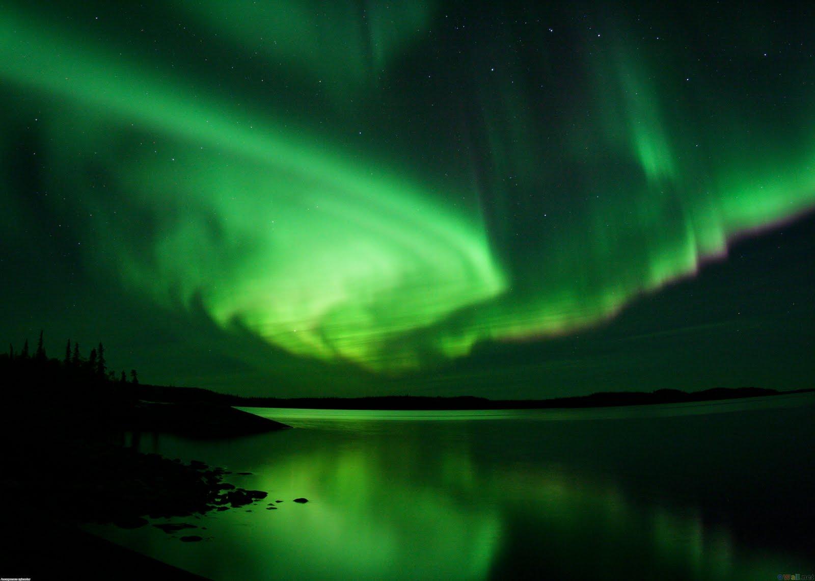 http://2.bp.blogspot.com/-5PBJ7oLa2HU/TiTiejt6WdI/AAAAAAAACEI/X6R6ae60qgY/s1600/aurora_borealis_4_3234x2304.jpg